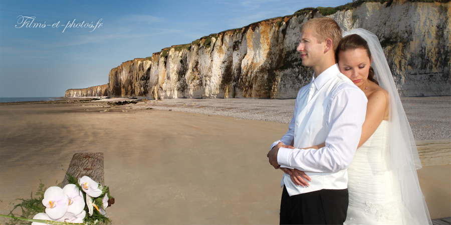 photo de mariage devant les falaises